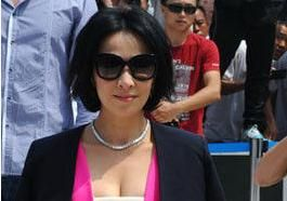 刘嘉玲领衔40岁女星拼衣品