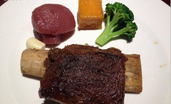 王品台塑牛排-增加幸福感的美味牛排