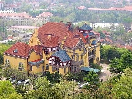 青岛欧式建筑 领略总督府的异国风情