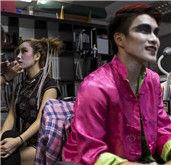 香港中元节上演葬礼时装秀