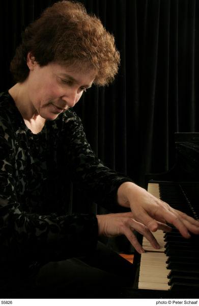安妮·泰芙尔20日大剧院诠释古典钢琴曲