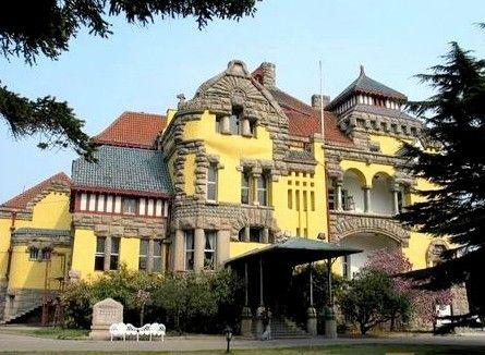 建筑风格独特青岛德国总督楼旧址