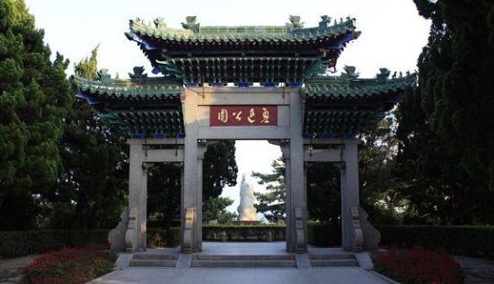 青岛鲁迅公园最富特色临海公园