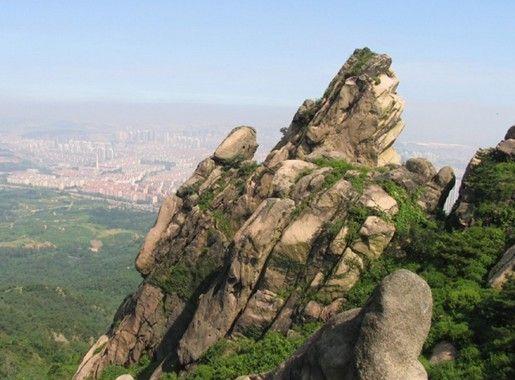 雨后登浮山九峰一览峻峭秀拔