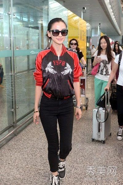 杨颖(angelababy)现身上海虹桥机场